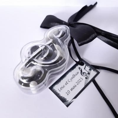 Boite clé de sol ruban noir et étiquette dragées
