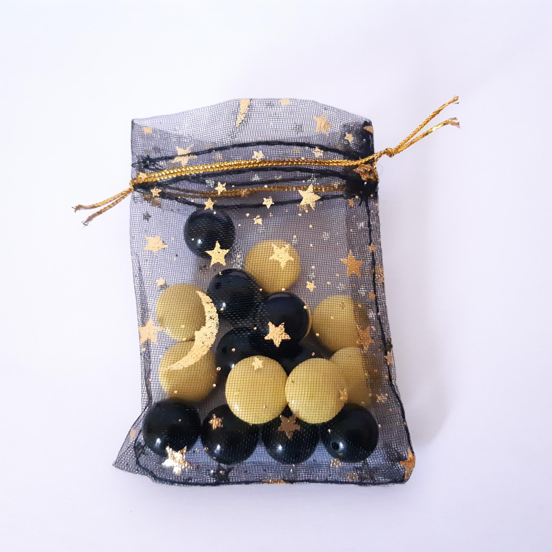 sachet pour dragées noir avec petites étoiles