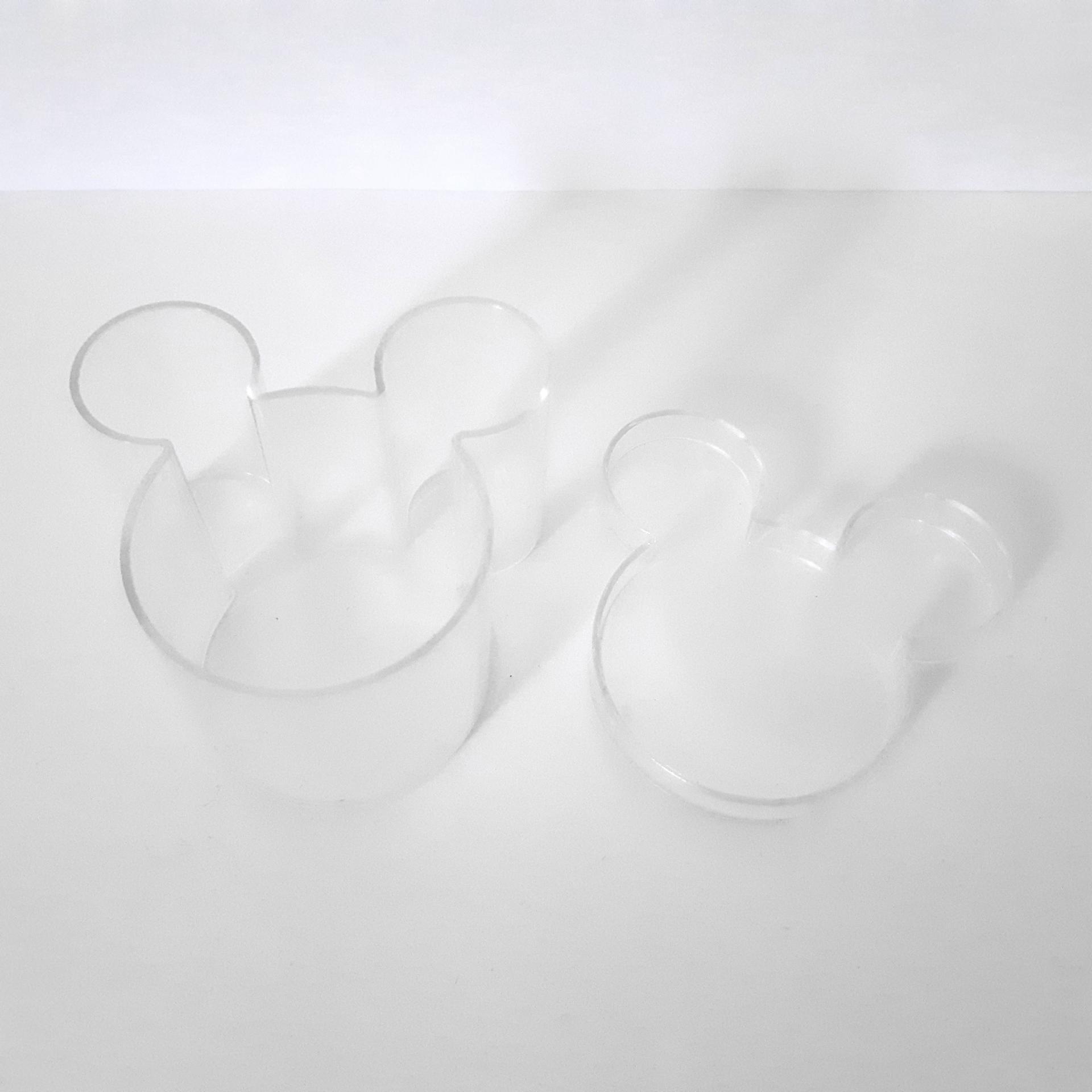 tête de mickey en plexiglass